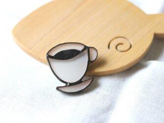 ガラスのコーヒーブローチの画像