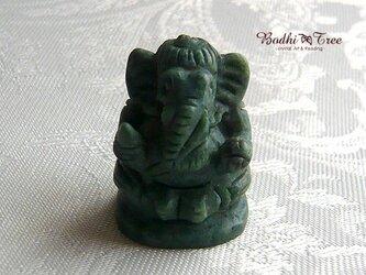 ガネーシャ・カービング(彫像)グリーンジェイドの画像