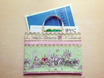 トートバッグ(横長・M) 「お城と馬車と白馬」の画像