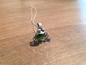 カエルのペンダントの画像