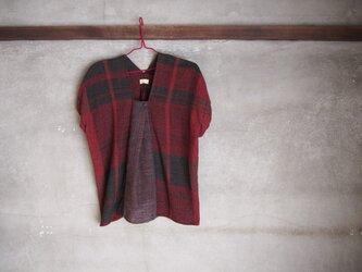 手織り/cotton tops  赤と黒の 縞、ワンプリーツ (+orimi)の画像