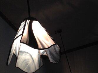 白黒ランプ(yumi saiki)の画像