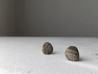 陶器イヤリング 石Uの画像