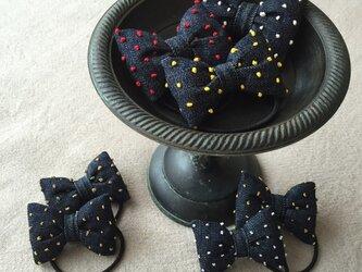 ドット刺繍 ぷっくり りぼんヘアゴム デニム の画像