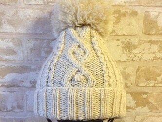 【受注後製作】ニット帽アルパカ×ラムウールベージュ系(ボンボン付) の画像