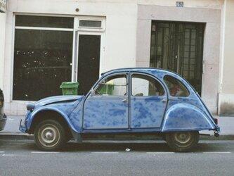 【額付写真】青い車の画像