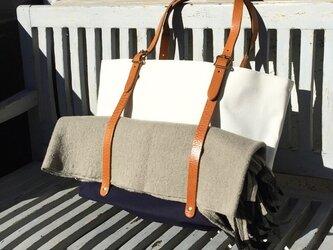 6号帆布と極厚オイルヌメのトートバッグ L-size【ホワイト×ネイビー】の画像