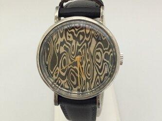 シルバー時計の画像
