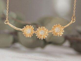 クリサンセマムのネックレスの画像
