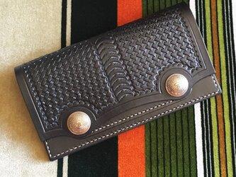 シンプルなWコンチョ長財布 ブラックの画像