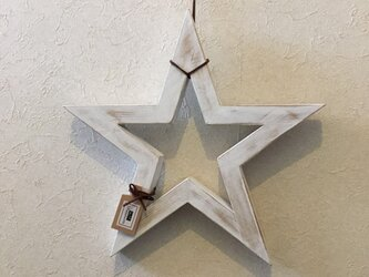 wooden starの画像