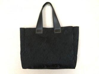 黒トートバック(ジャガード織り)の画像