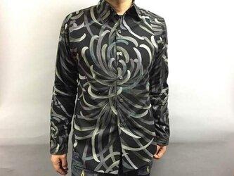 長袖和柄シャツ(糸菊抽象文様)黒の画像
