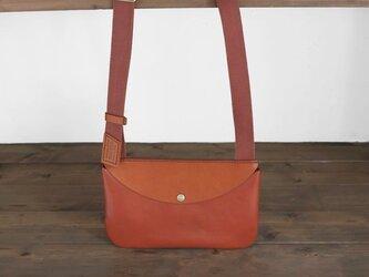 手縫いの牛革ポシェット /  オレンジ / ライトブラウンの画像