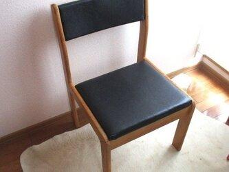 【フルリメイク】黒革張り 樫の木アンティーク椅子の画像