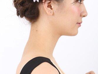 ミルキーピンク×1粒パールのヘアクリップの画像