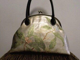 白金ベージュ・樹木柄名古屋帯・がま口バッグの画像