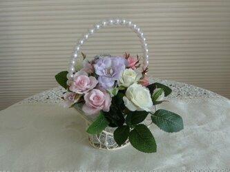 バラの花かごの画像