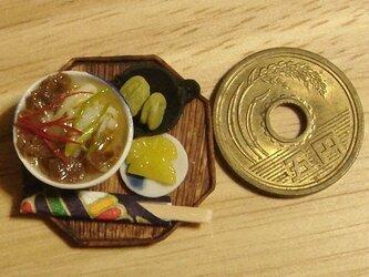 ★肉うどん&そら豆お盆(木製風8角形・黒)の画像