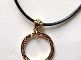 【2way ブラック 本革ひも グラスホルダー(ゴールド)&ネックレス】長さ調節可能の画像
