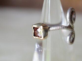 ローズカットダイヤモンド(天然レッドカラー)Rosariumリングの画像
