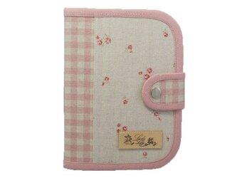診察券・保険証・おくすり手帳入れ 小花柄 ピンクの画像