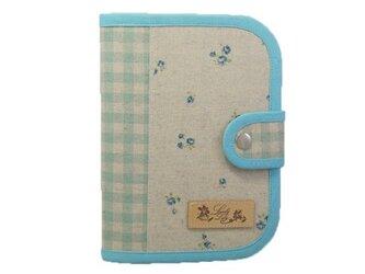 診察券・保険証・おくすり手帳入れ 小花柄 ブルーの画像