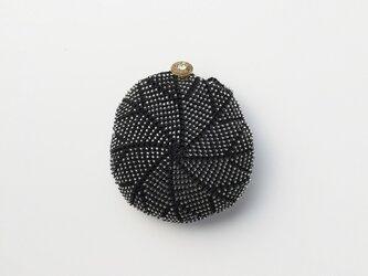 収納できるネットバッグ シルクレース糸ビーズ編み込み ブラックの画像