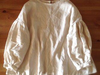 huit*gerbera_blouse アンティークホワイトの画像