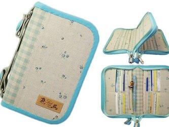 母子手帳ケース S Wファスナータイプ 小花柄 ブルー (A6サイズの母子手帳に対応) ☆4人分収納可能☆の画像