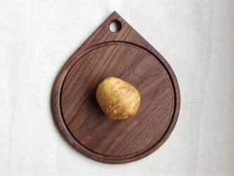 丸くて小さなカッティングボード:Φ180/ウォールナットの画像