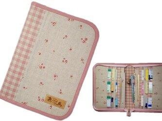 母子手帳ケース L ラウンドファスナータイプ 小花柄 ピンク (A5サイズの母子手帳に対応) ☆2人分収納可能☆の画像