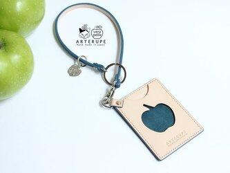 《再販》林檎の窓のパスケース・Ringo no mado ブルーの画像