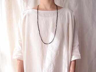 送料無料【制作終了品】ブラックスピネルのロングネックレス【silver】black spinel × glass beadsの画像