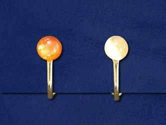 太陽と月のイヤリングの画像