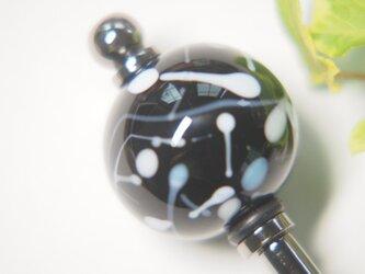 水風船模様とんぼ玉のかんざし 黒 の画像