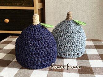 コットン素材のブルーベリー帽子の画像