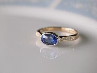 大粒の天然サファイヤ・指輪の画像