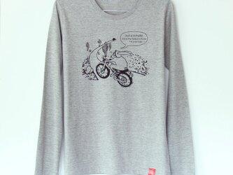 ウサギくんTシャツ長袖 gray x blackの画像