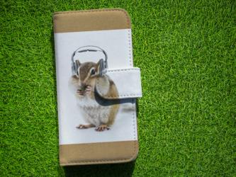 全機種対応 手帳型 スマホケース iPhoneXs iPhone9 リス リスだってNo Music No Lifeの画像