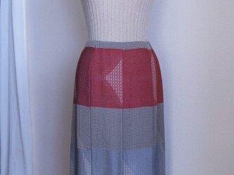 シルクのプリーツスカートの画像