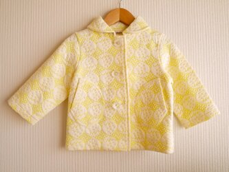 黄色いイチゴのキルトニットコート (80cm)の画像