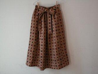 麻 赤花模様 リボンベルトのゴムスカート Fサイズの画像