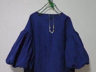 ボリューム袖ブラウス(インディゴブルー)の画像