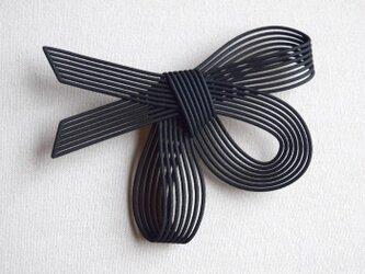 ルネ 黒 ブローチの画像