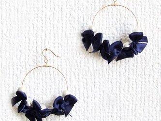 ribbon&cottonpearl pierce【ネイビー】の画像