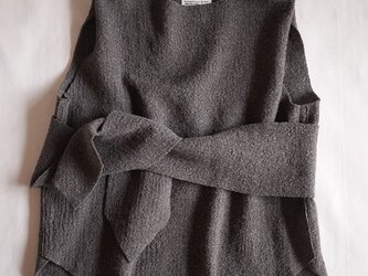 compress wool vest <charcoal>の画像