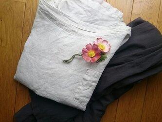 秋色コスモスのコサージュ 染布花の画像