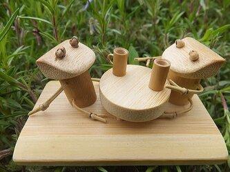 竹細工~カエル(ちゃぶ台)の画像