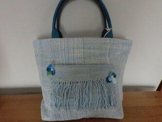 手織りトートバック アウトポケットにお花付き ブルーの画像